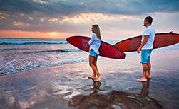 Bali Urlaub Wassersport Surfen