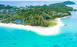 Resort Strand auf der suedthailaendischen Insel Koh Lipe