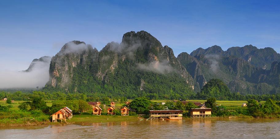 Mekong Kreuzfahrt traumhafte Uferlandschaft