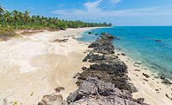 Wilder Strand auf der Thai Insel Koh Jum